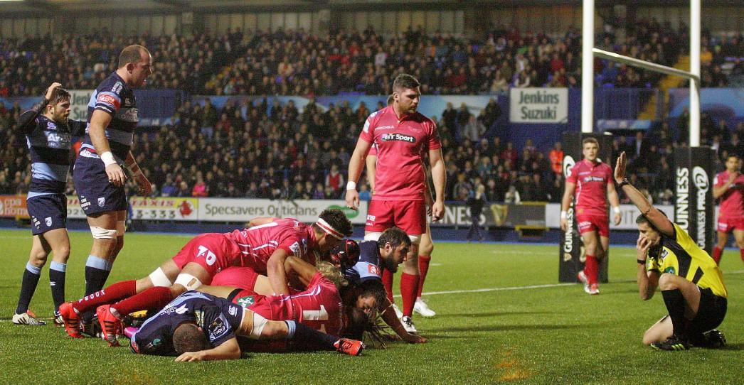 Cardiff Blues 21 Scarlets 9