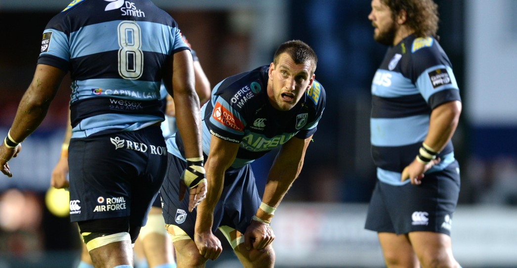 Warburton back for New Year trip to Dragons