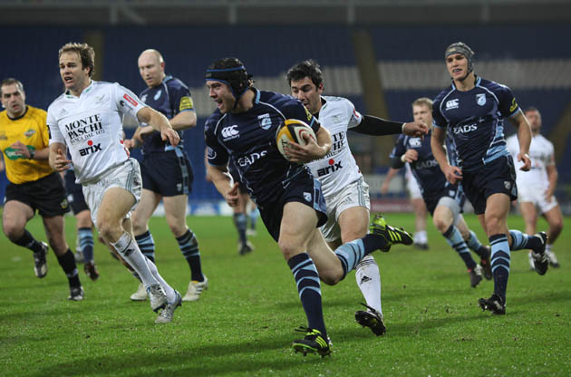 Laulala and Halfpenny start for Blues